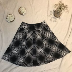 H&M Black & White Plaid Pleated Midi Circle Skirt